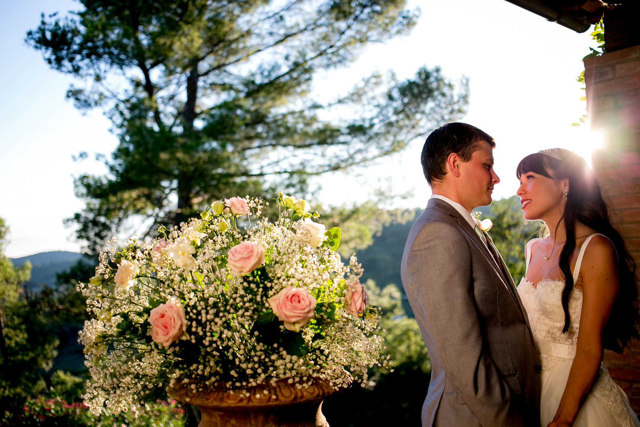 Bride and groom golden hour sunset moment at Villa Tre Grazie in Umbria Italy near Todi