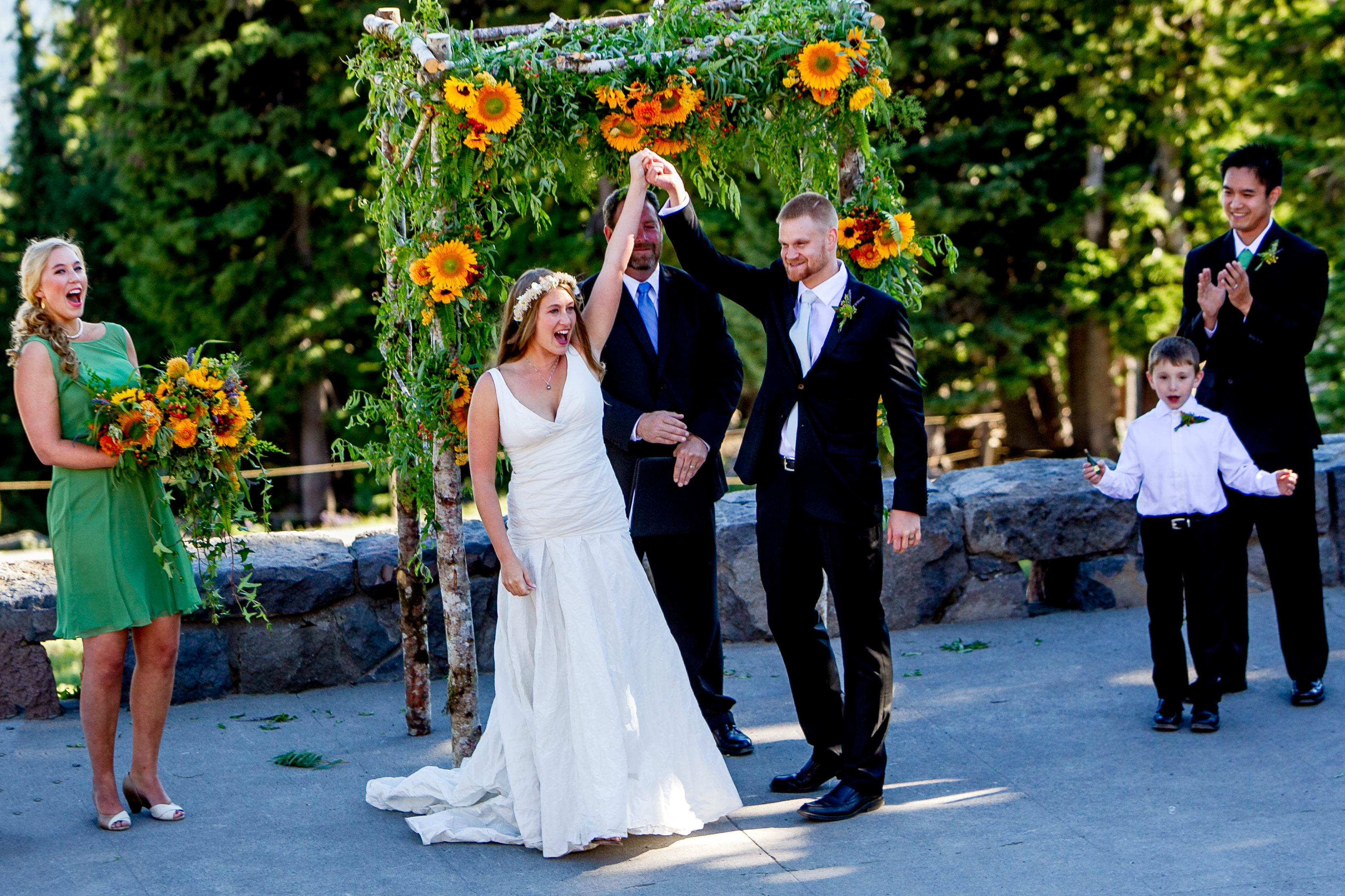 Timberline Lodge wedding ceremony at Amphitheater