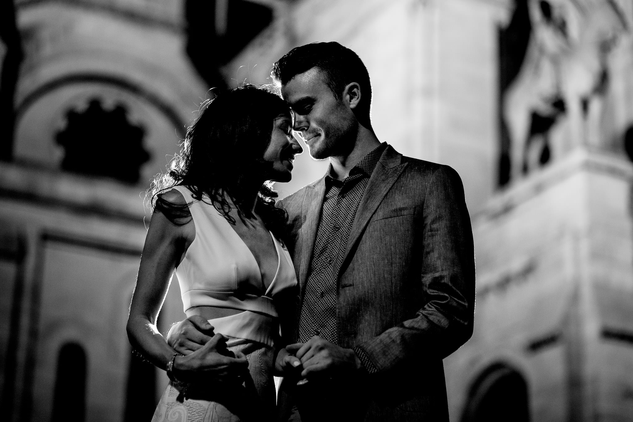 Engagement photo in Paris at Sacre Coeur black and white